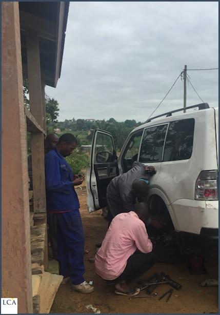 Voiture en panne - Congo