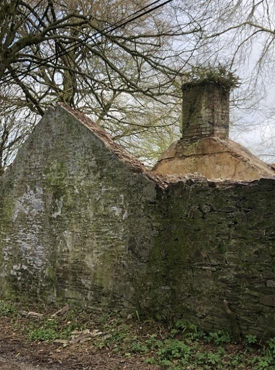Mur d'un cottage abandonné