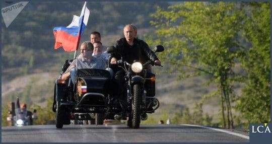 Vladimir Poutine à moto